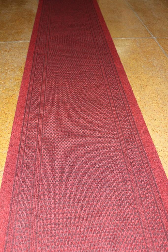 Дорожка ковровая MAYA  40 красный